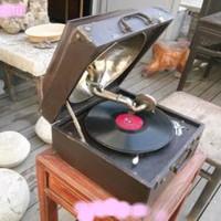 上海老无线电回收 上海老缝纫机回收 常年收购老唱机